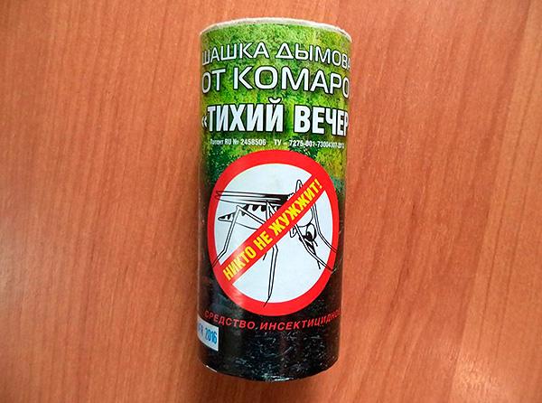 Bomba fumogena perimetrale Insetto Serata silenziosa - sebbene sia posizionata come un repellente per zanzare, è anche abbastanza efficace contro gli scarafaggi.